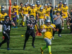 Liad Versolker hustling 65 yards for the Silverbacks to score the game's first touchdown