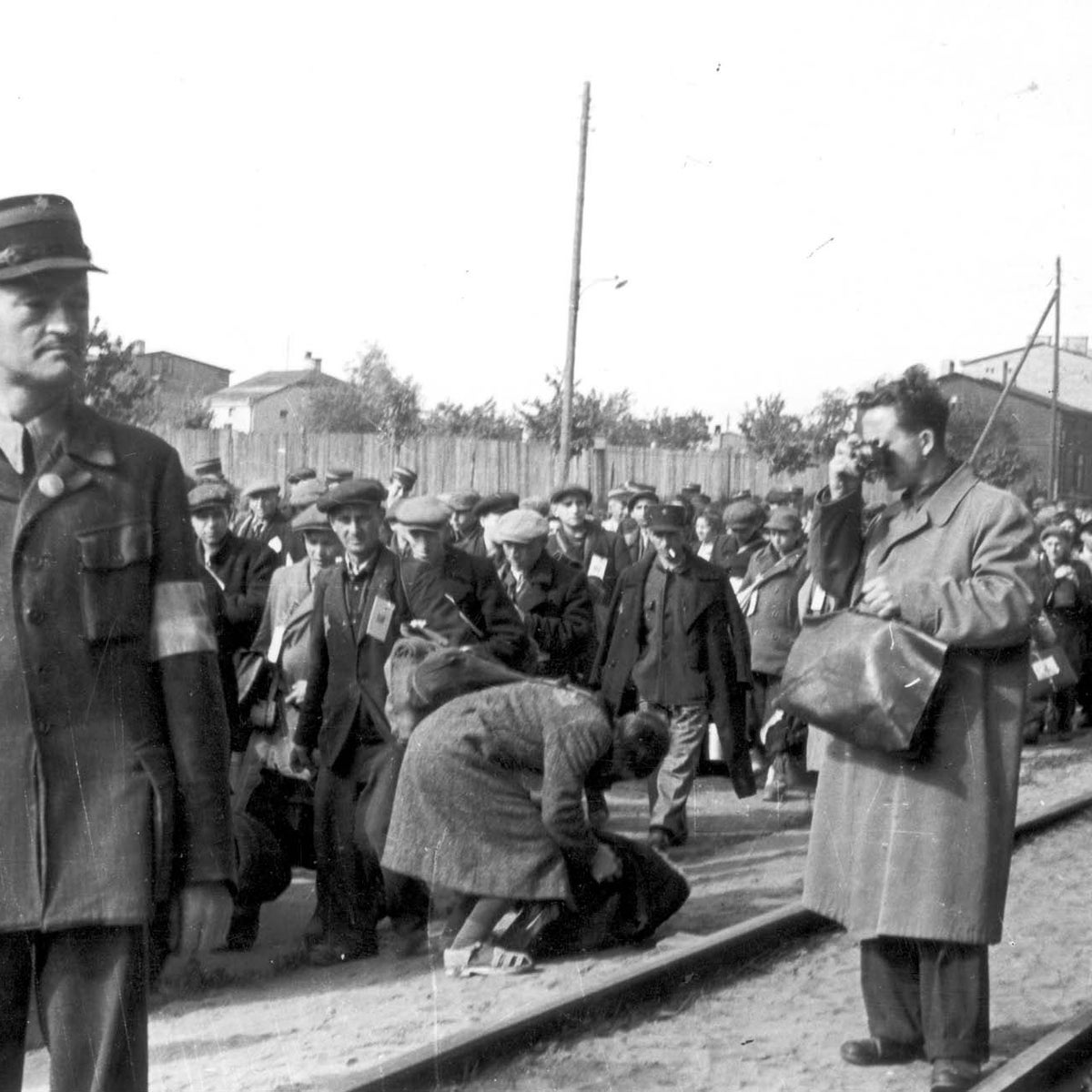 Jewish photographer Mendel Grossman shoots the deportation of Jews from the Lodz ghetto.