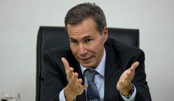 Argentine prosecutor Alberto Nisman talks to journalists in Buenos Aires, May 29, 2013.