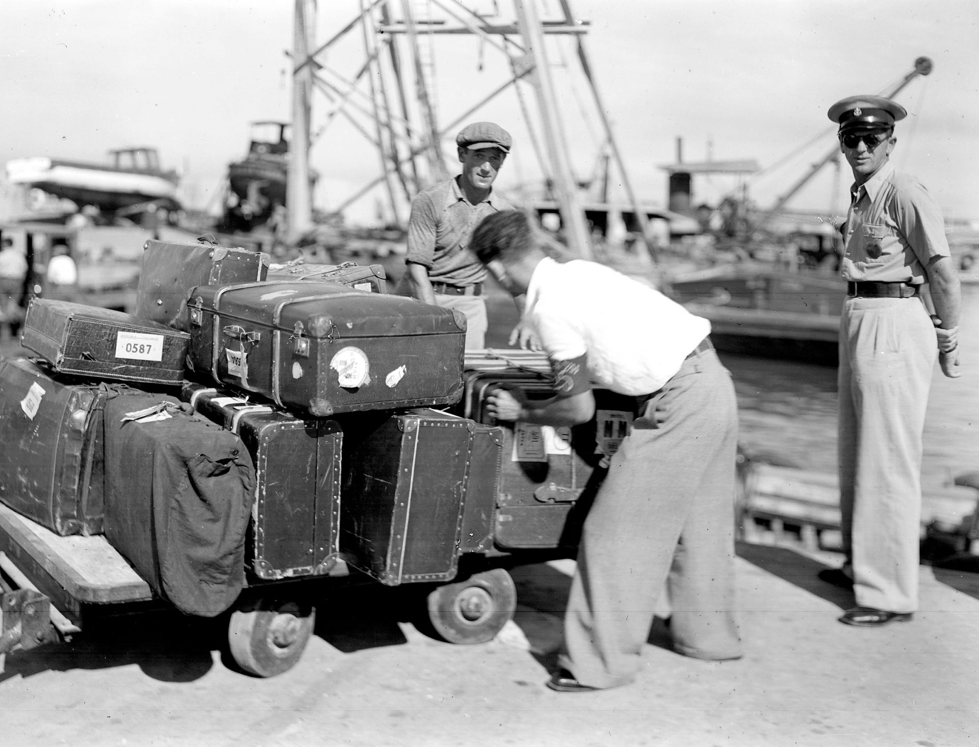 Porters unloading immigrants' luggage at Tel Aviv Port in 1938.