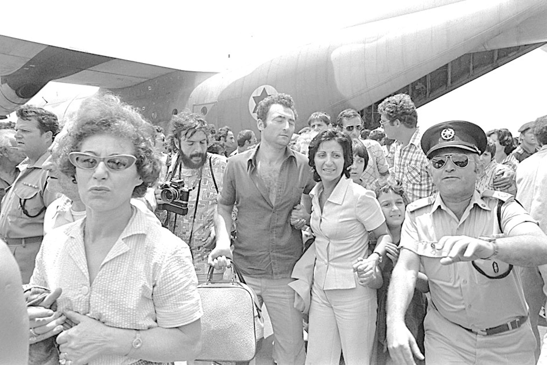 Entebbe hostages return to Israel