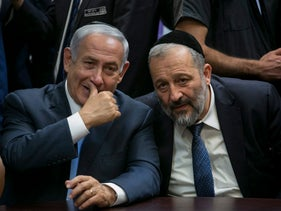 Prime Minister Benjamin Netanyahu and Interior Minister Arye Dery, October 2017.