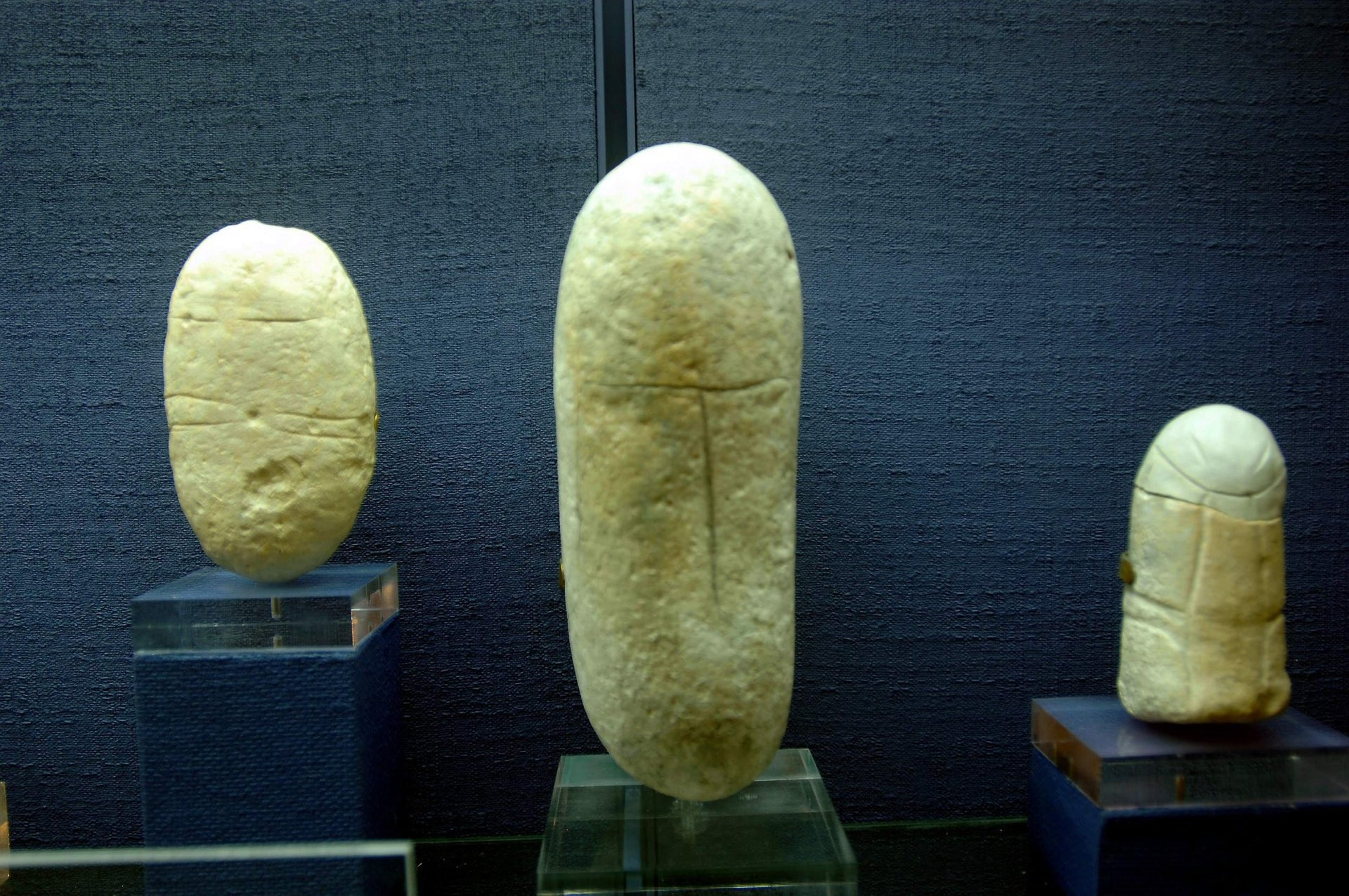 Ancient figurines believed to reoresent devotion to gods other than YHWH