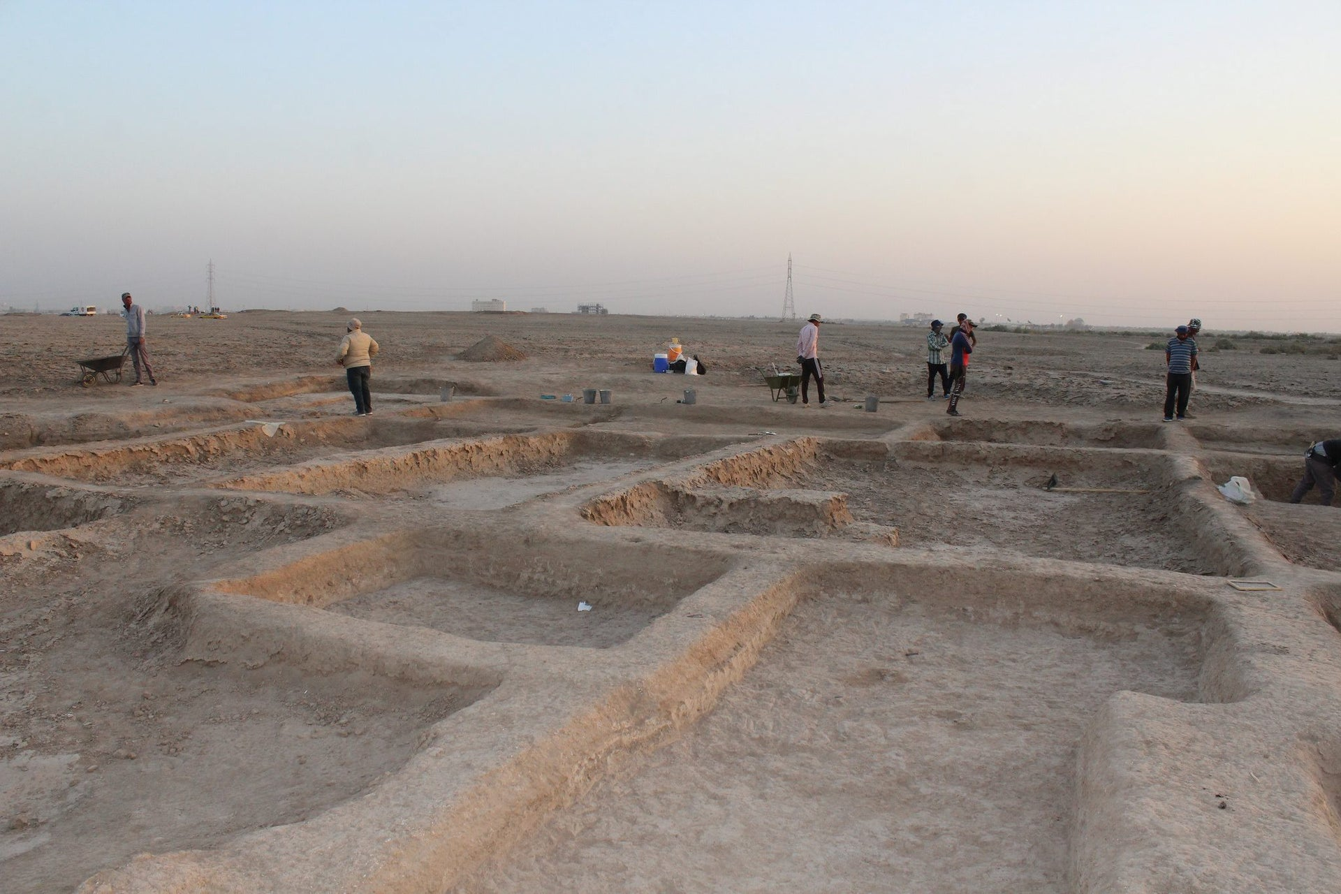 Building in Abu Tbeirah, Iraq: Sumerian port city from 4,000 years ago