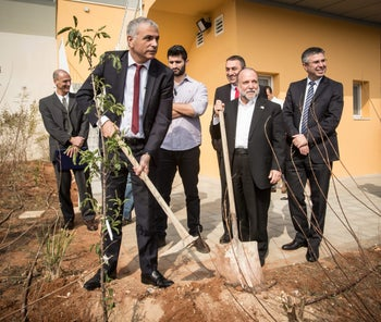 Kahlon at a ceremony in the Allenby Bridge in January