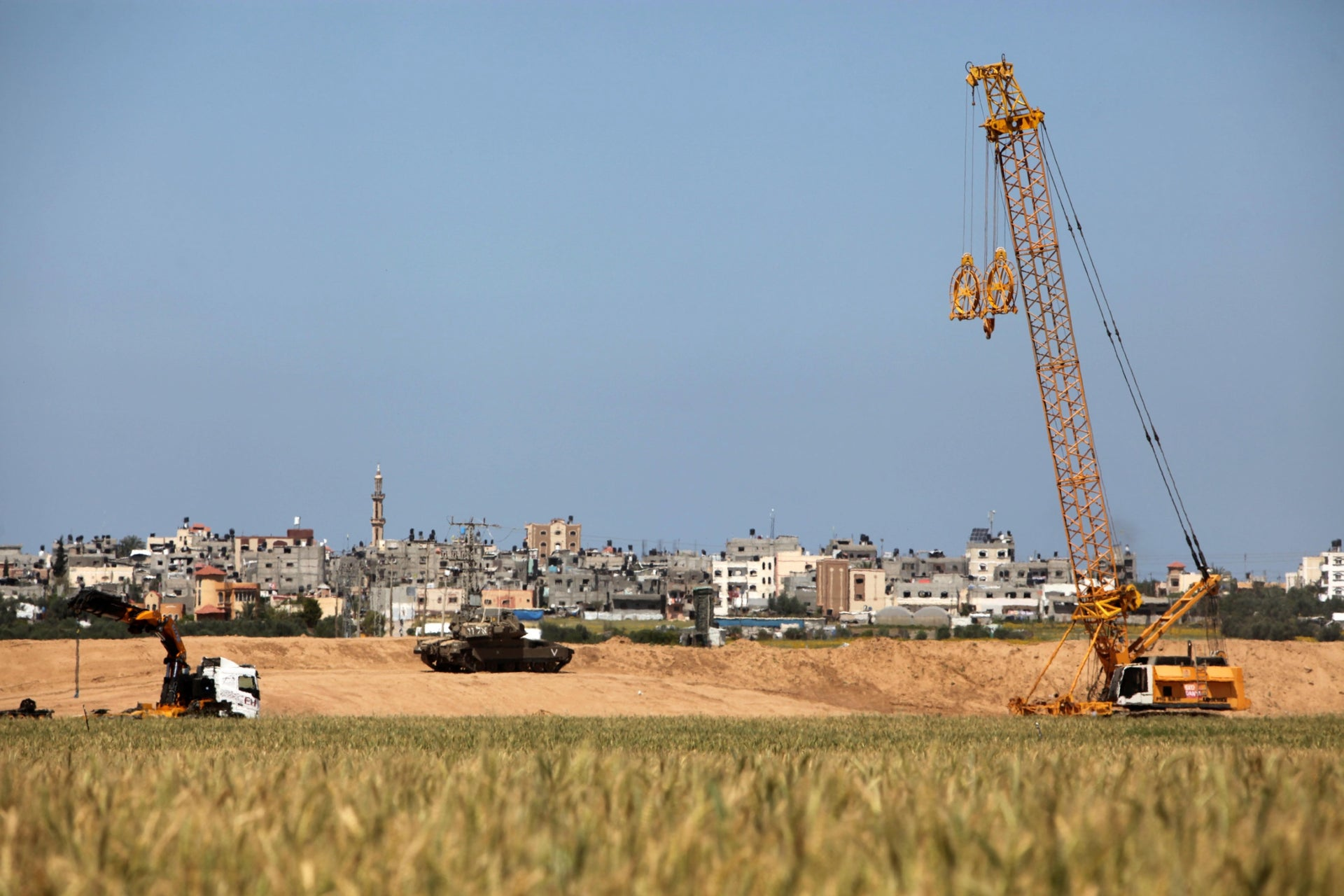 Construction of the anti-tunnel barrier near Gaza.