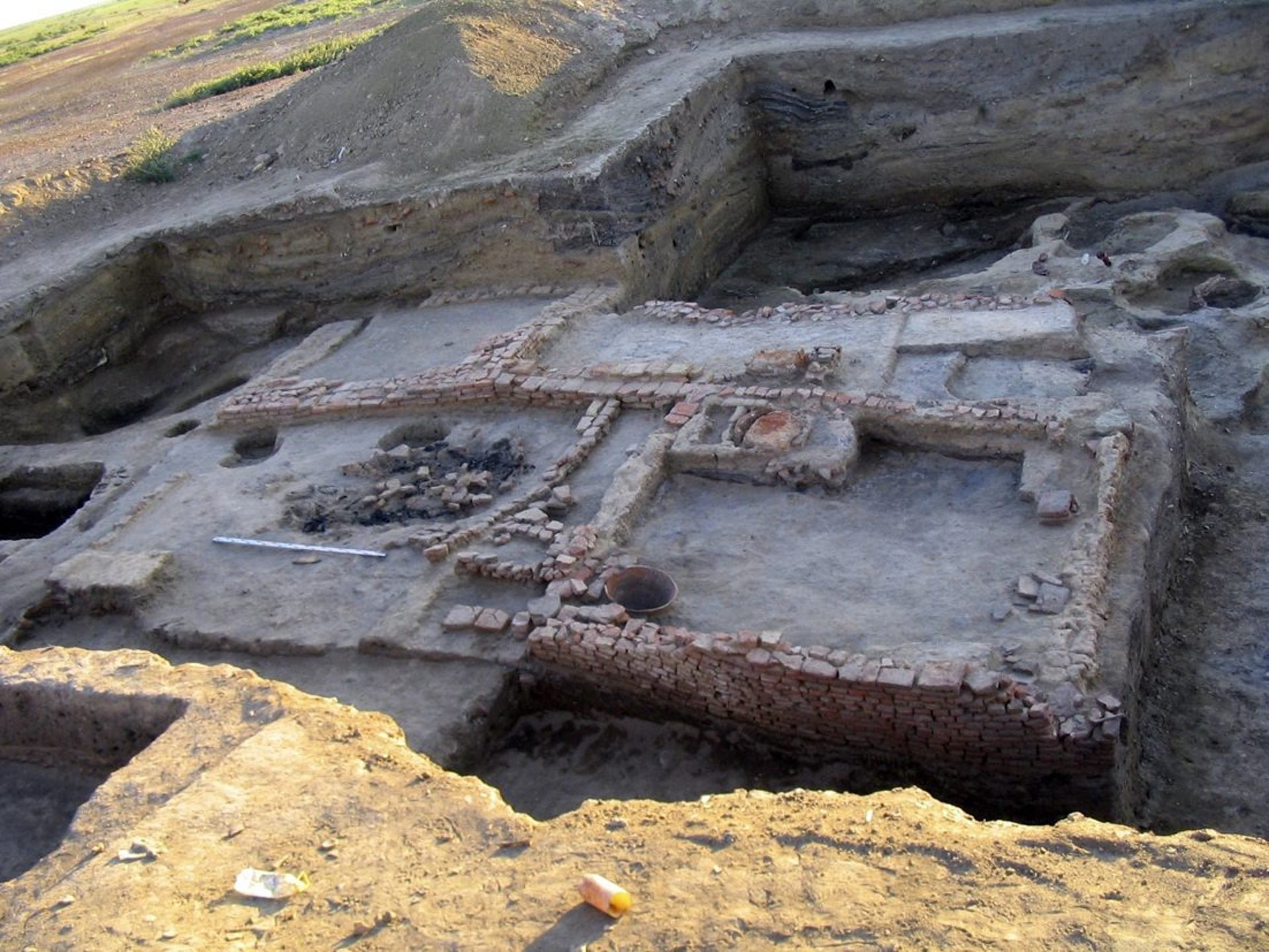 11th-12th century house made of hard-burnt bricks is shown in Itil, a Silk Road city that served as the Khazar capital, near Astrakhan