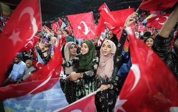 Supporters of Turkish President Recep Tayyip Erdogan attending the pre-election rally in Sarajevo, Bosnia-Herzegovina, May 20, 2018.