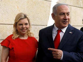 Benjamin and Sara Netanyahu next to the dedication plaque of the U.S. embassy in Jerusalem, May 14, 2018.