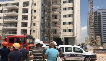 The construction site in Rosh Ha'ayin where two workmen fell to their deaths.