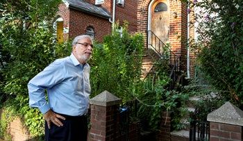 New York State Assemblyman Dov Hikind speaking to reporters outside the residence of Nazi war crimes suspect Jakiw Palij, August 21, 2018.