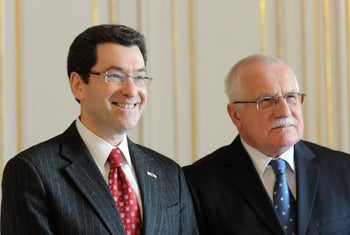 Norm Eisen, left, and Czech President Vaclav Klaus at Prague Castle in January 2011, just after Eisen's appointment as U.S. ambassador to the Czech Republic.