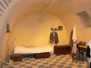 Naphtali Herz Imber's reconstructed room in the basement of the Heisman House in Rishon LeZion.