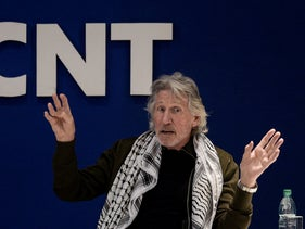 British rock icon/activist Roger Waters, gestures during conference on Palestinian situation and Human Rights at the Uruguayan unions' organization (PIT-CNT) headquarters in Montevideo, Nov. 2, 2018.