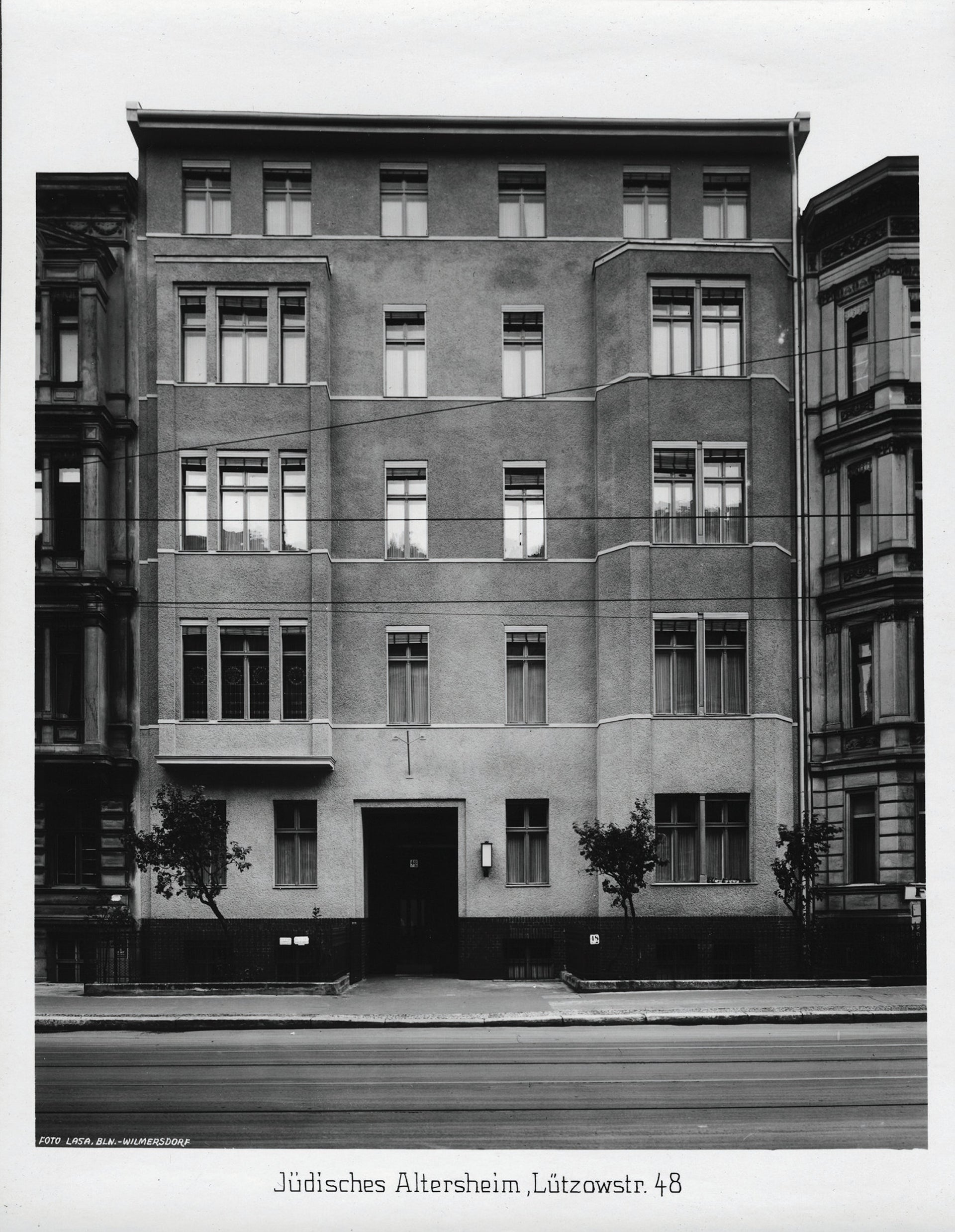 Lützowstrasse 48/49 in Berlin. The Jewish retirement home was confiscated by the Nazis in 1941 and became the SS office where Gustaf Ekström worked.