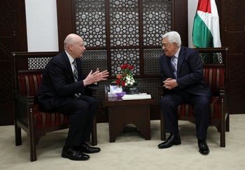 FILE PHOTO: Palestinian President Mahmoud Abbas meets with Jason Greenblatt, U.S. President Donald Trump's Middle East envoy, in the West Bank city of Ramallah, March 14, 2017.