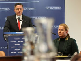 Labor Chairman Avi Gabbay and opposition chief Tzipi Livni, January 1, 2019.