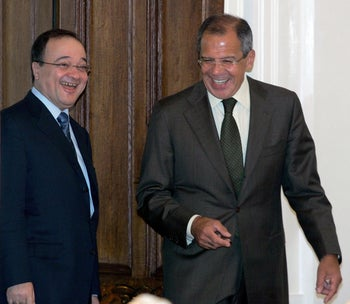 Nasser al-Qudwa, left, sharing a joke with Russian Foreign Minister Sergey Lavrov in 2005.