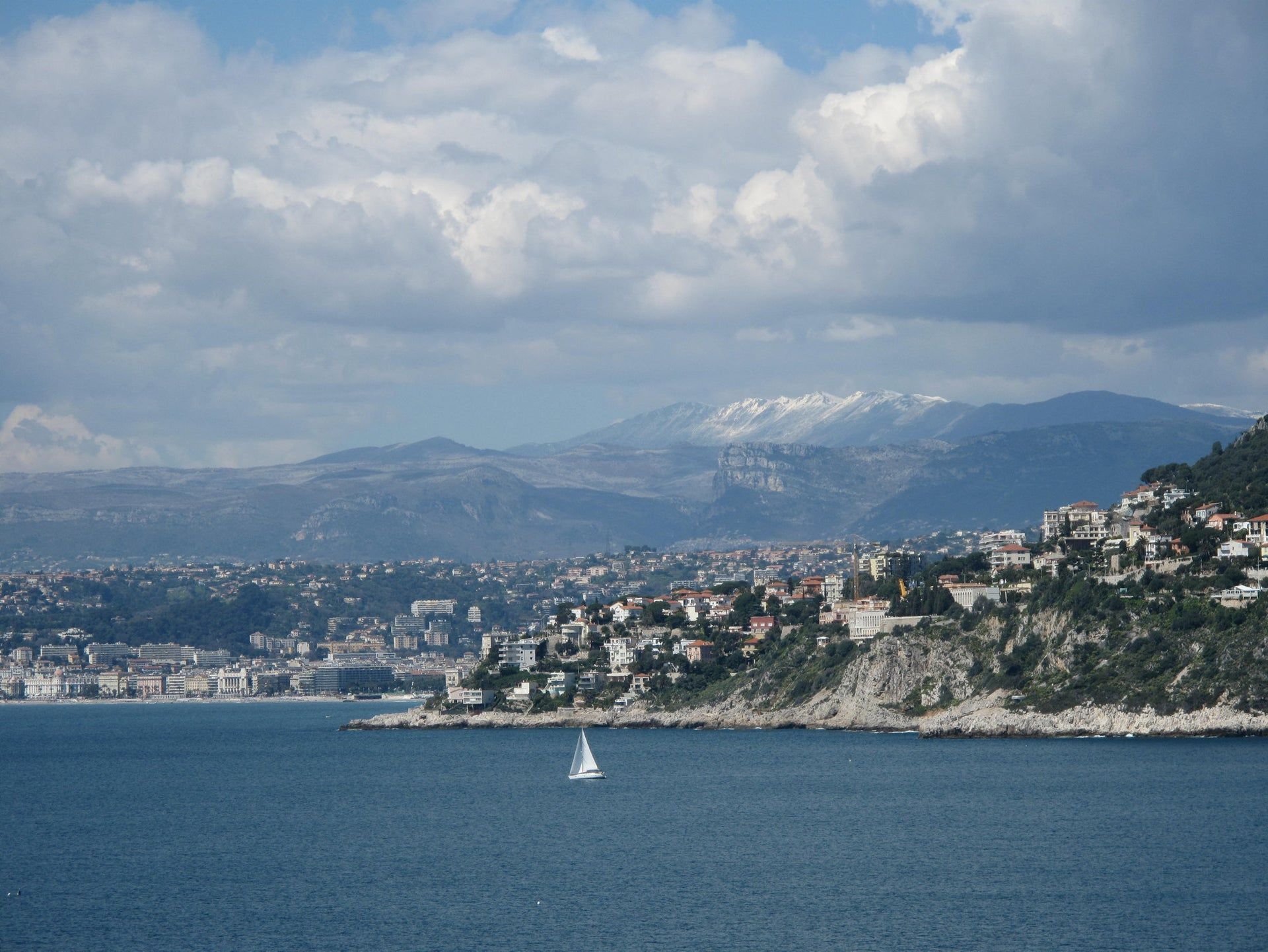 The town of Nice and the hill of Mont-Boron