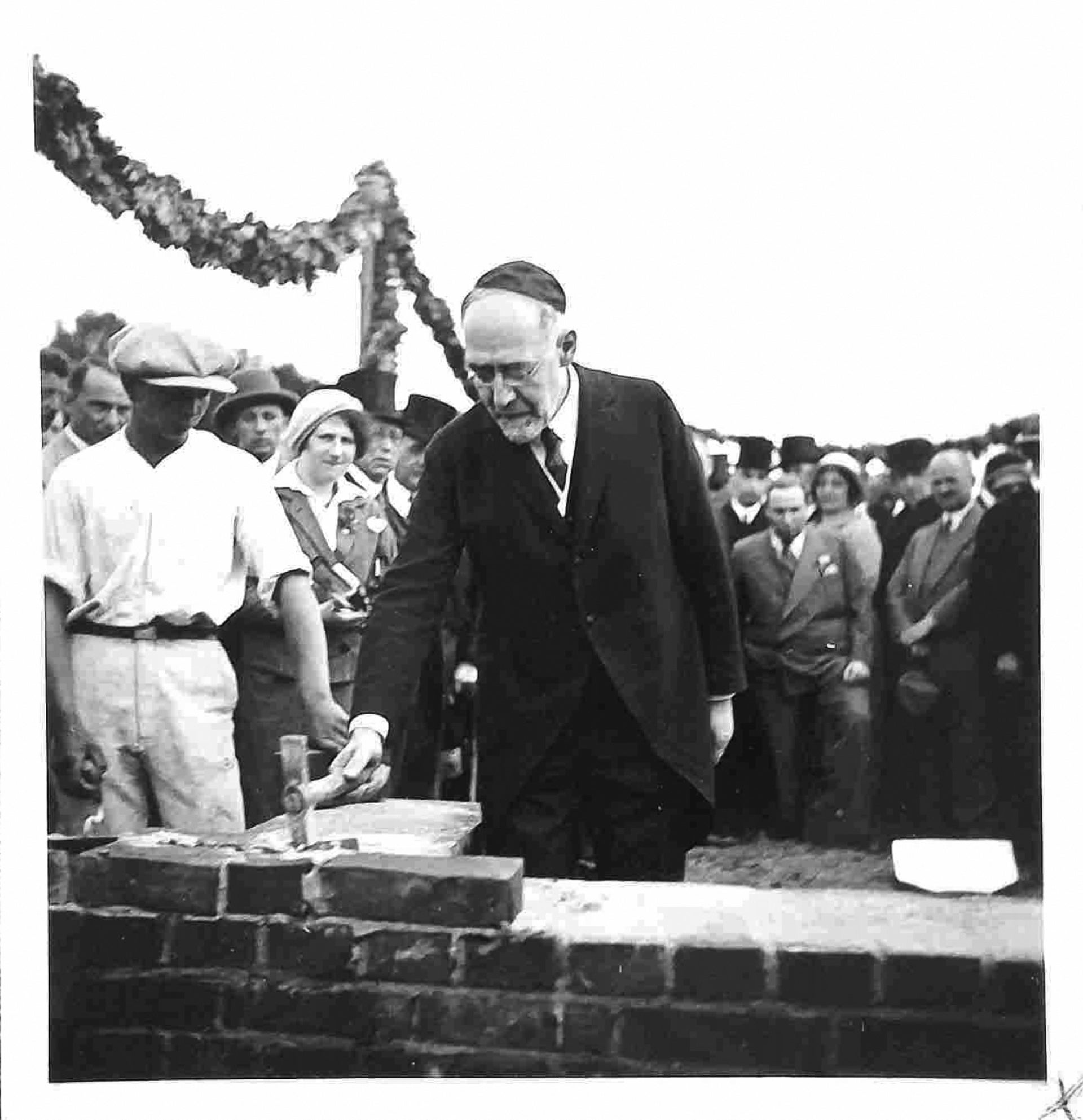 Rabbi Leo Baeck, at the cornerstone-laying ceremony for Gross Gaglow's Jewish community in 1931.