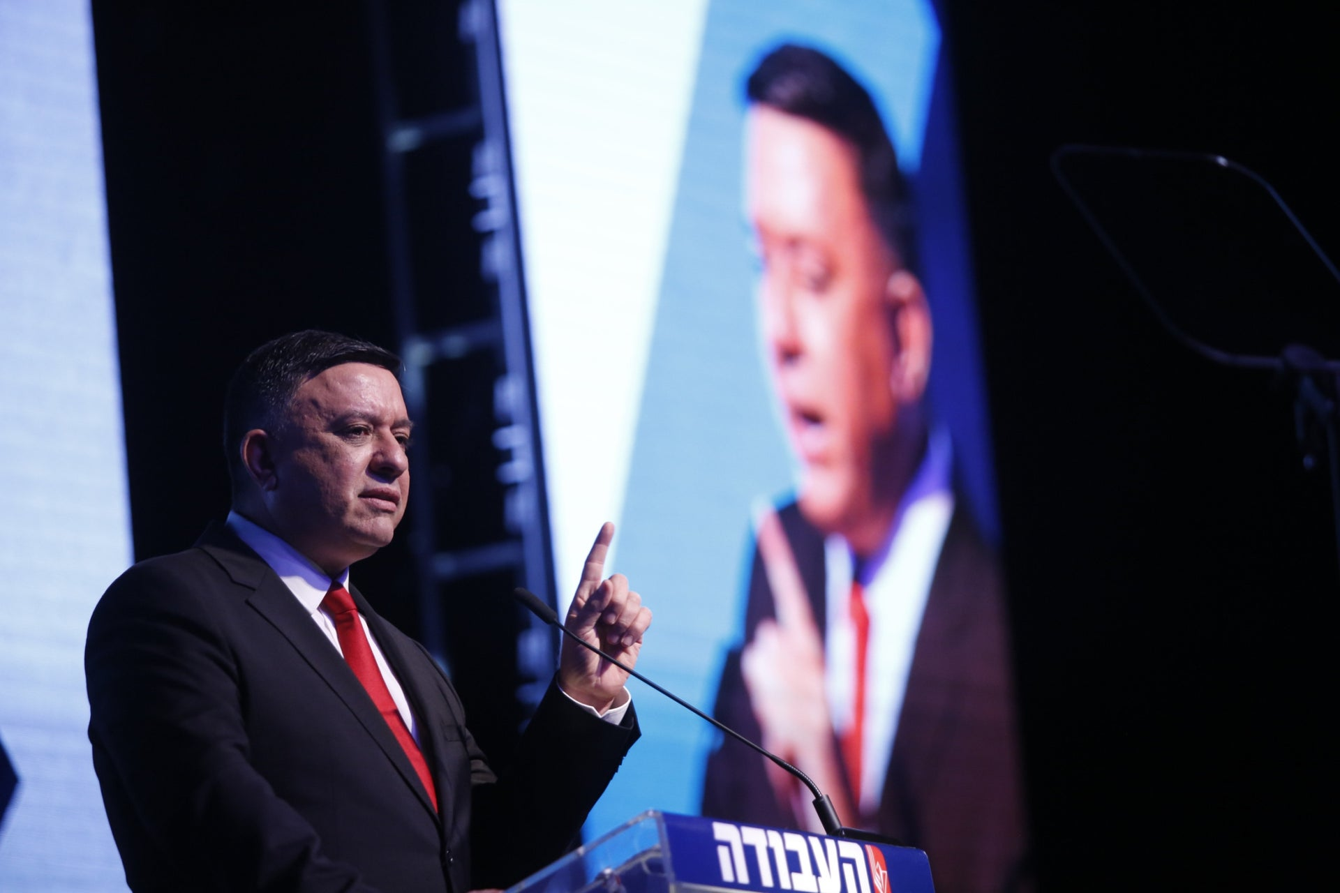 Labor Party leader Avi Gabbay launching his party's election campaign in Tel Aviv, March 18, 2019.