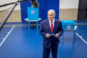 Netanyahu casts his vote in Israel's election, Jerusalem, April 9, 2019.