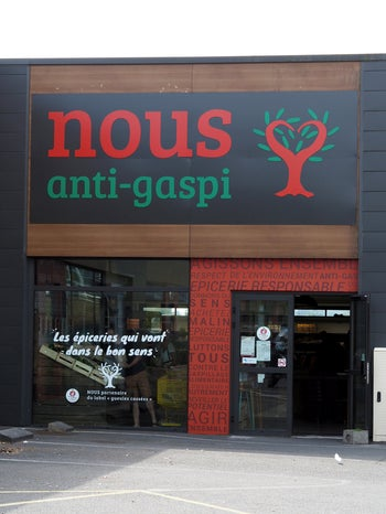 "The anti-waste ""Nous Épiceries"" chain will count four grocery shops in France in June."