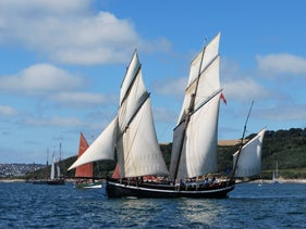 The Grayhound lugger, one of the sailboats used by boat to transport merchandise on the sea with no carbon footprint.