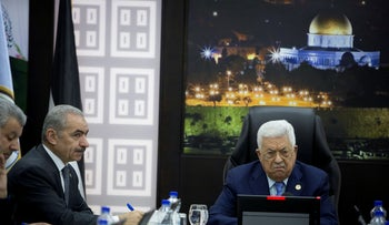 Palestinian President Mahmoud Abbas chairs a session of the weekly cabinet meeting with Palestinian Prime Minister Mohammad Shtayyeh, in Ramallah in the Israeli-occupied West Bank April 29, 2019.