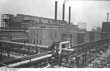 An outside view of the Farben factory in Auschwitz, in 1941.