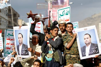 Houthi supporters attend a rally to mark the first anniversary of the killing of Saleh al-Sammad, who was the head of Houthi movement's Supreme Political Council, by an air strike, in Sanaa, Yemen April 19, 2019.