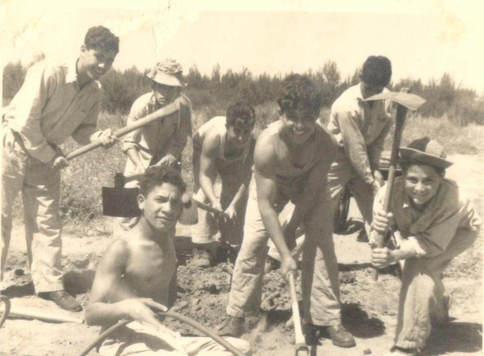 Working the land together. The movement reached its height around 1960.