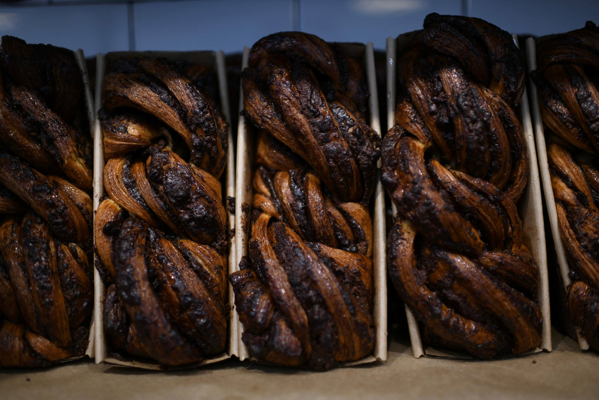 Babkas lined up at Michaeli bakery, June 7, 2019