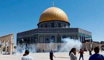 Clashes between Israel Police and Palestinians on Temple Mount, Jerusalem, August 11, 2019