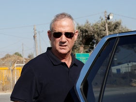 Benny Gantz visits the site where an Israeli soldier was stabbed in the West Bank, August 8, 2019.