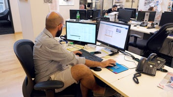 A CEO who wears shorts doesn't send a message that he's 'just like you,' exactly the opposite.
