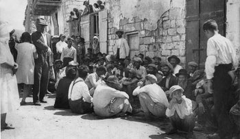 Safed Jews at a funeral after the massacres of 1929.