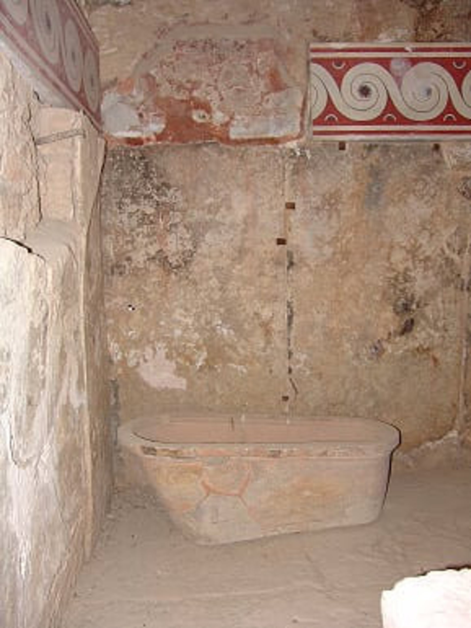 Queens's bathroom and bath with spiral fresco from the royal apartments at the palace of Knossos