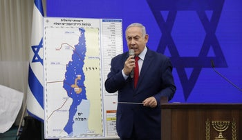 Benjamin Netanyahu speaks to the press on September 10, 2019.