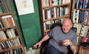 Late psychoanalyst and philosopher Carlo Strenger in his house in northern Tel Aviv, in 2005.