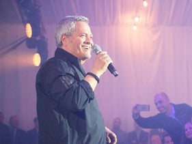 Shlomo Artzi performs at the ceremony for outgoing IDF Chief of Staff Gadi Eizenkot at military headquarters in Tel Aviv, July 14, 2019.