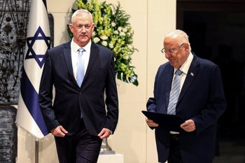 Benny Gantz (L) before receiving the mandate to form a government from president Rivlin , October 23, 2019