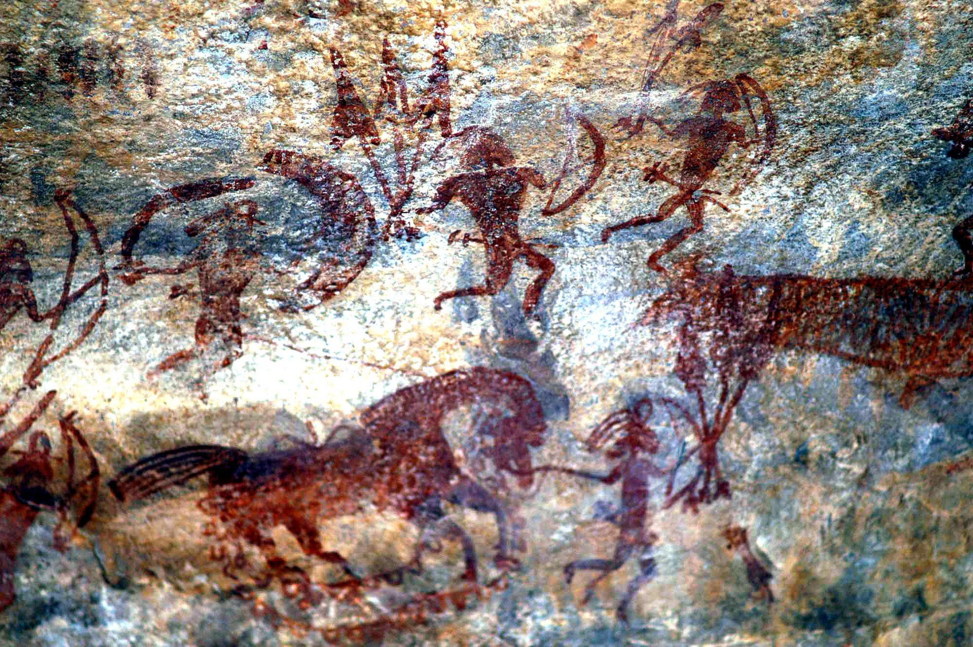 war scene is shown in one of the cave painting in Bhimbetka