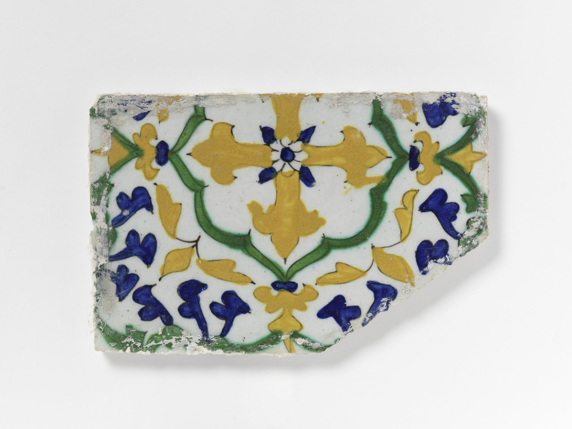 Tile bearing a yellow cross, Kütahya, 18th century.