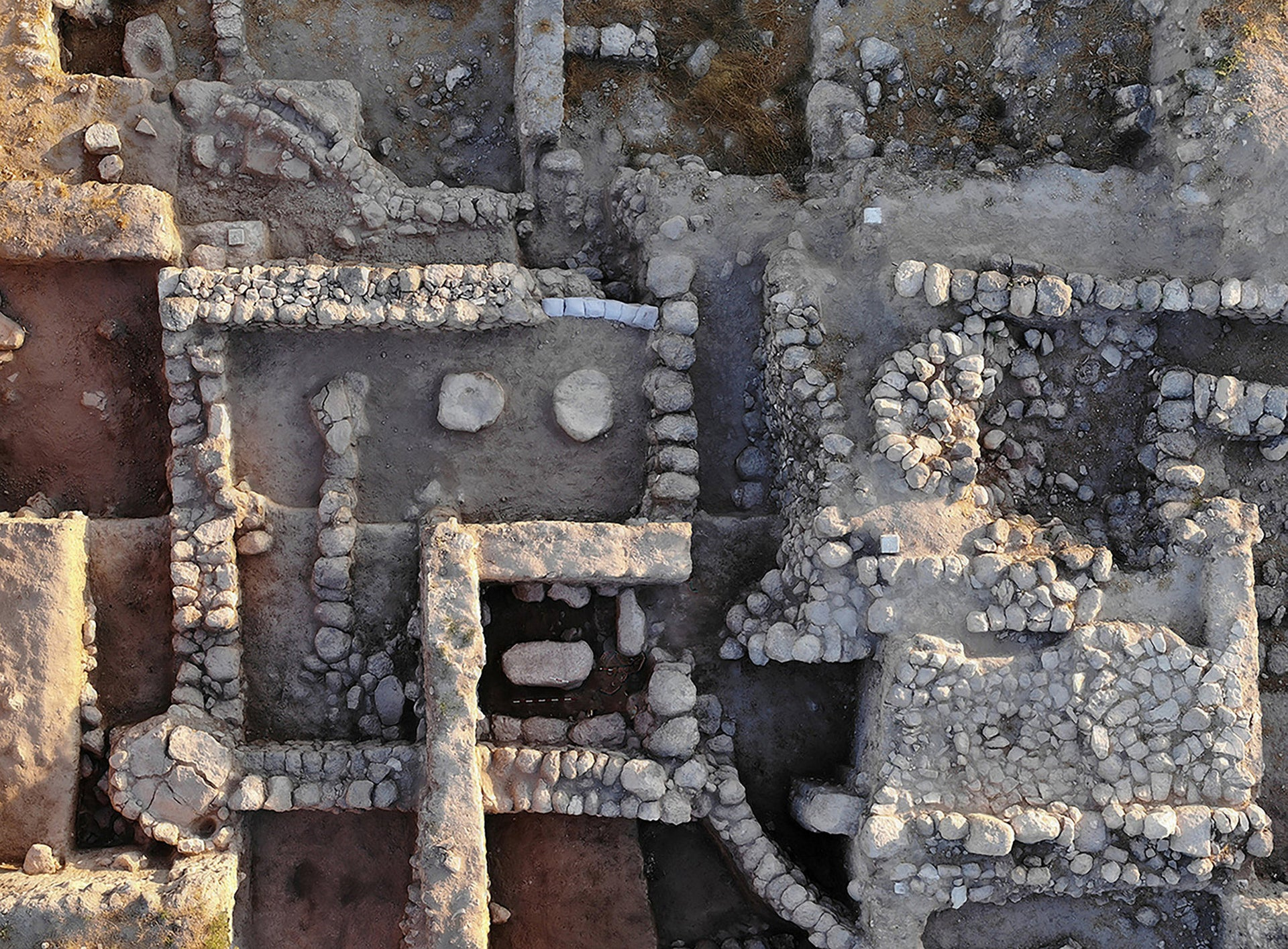 A view from the air of the early Iron Age temple in Beth Shemesh