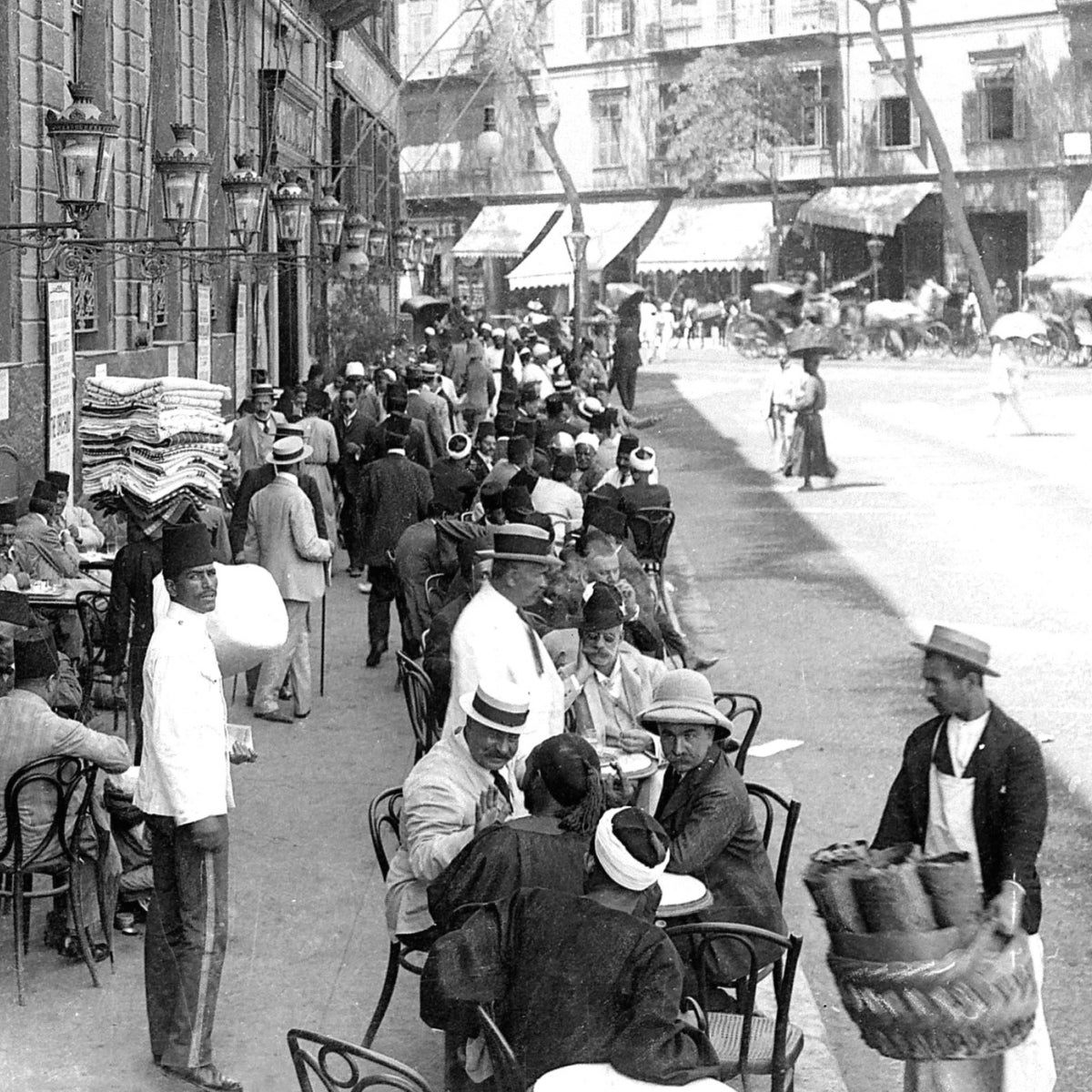 A cafe in Cairo, the beginning of the 20th century.