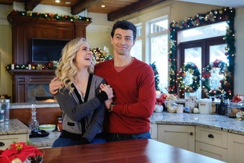 A still photo from 'Holiday Date.'