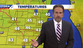 Weatherman Scott Steele live at noon weather forecast, 2017.