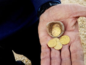 Rare gold dinars found inside a juglet in Yavneh