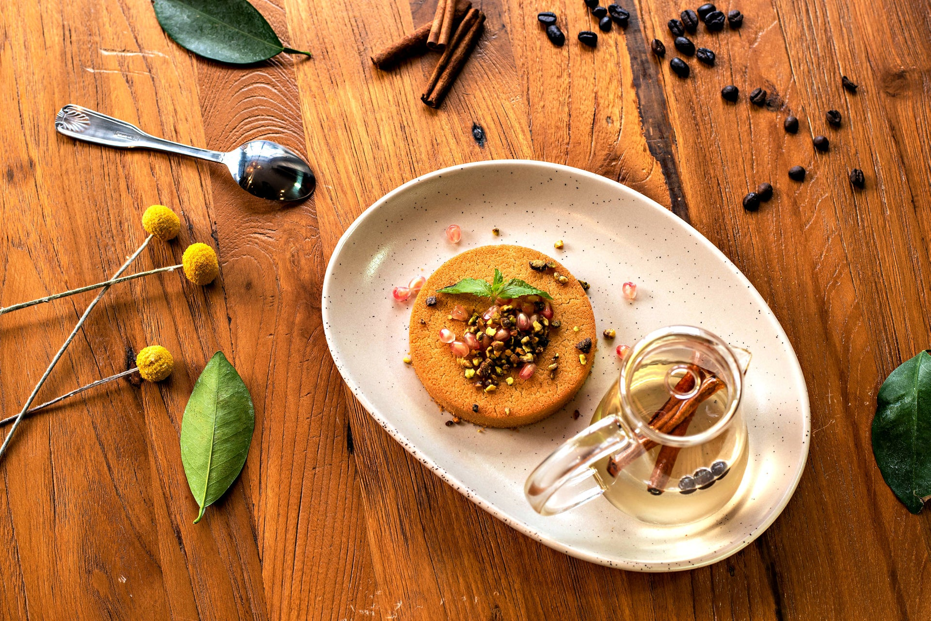 For dessert, Daka offers an excellent knafeh. 'We make the knafeh for an individual diner, unlike our custom which is to have it as a portion for the entire table.'